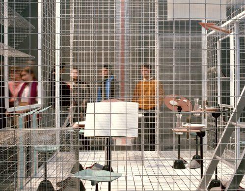 """Luigi Ghirri, Il progetto domestico, XVII Triennale di Milano, 1986. Achille Castiglioni, """"Sei persone per 72 m3"""" © Eredi di Luigi Ghirri / Courtesy Editoriale Lotus"""