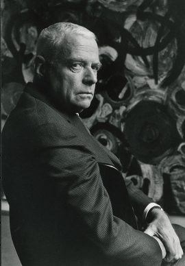 Herbert List, Ernst Wilhelm Nay vor seinem Gemälde Silbergrauen, Berlin 1963 © Herbert List Nachlass, Magnum Photos © Elisabeth NayScheibler, Köln / VG Bild-Kunst, Bonn 2018