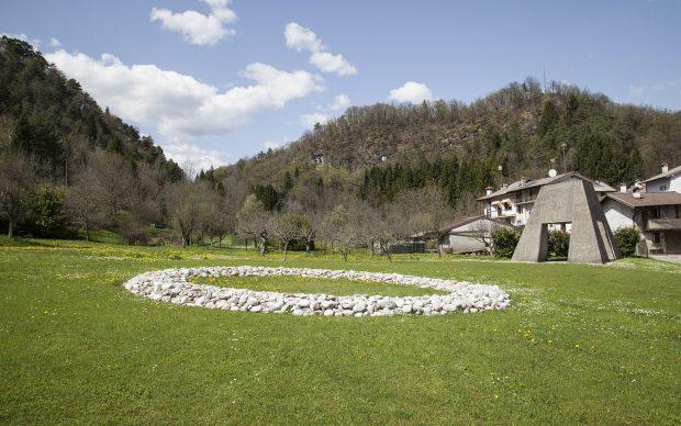 Richard Long, Tagliamento River Stone Ring, 1996, Art Park (Collezione Egidio Marzona), Verzegnis. Photo © Eva Basso_5
