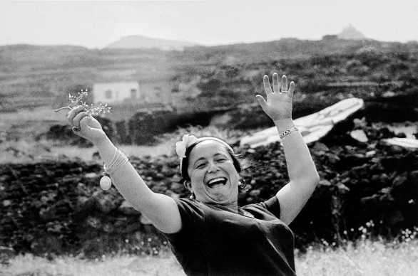 Ferdinando Scianna (Bagheria (PA), 1943) Italia, Pantelleria, 1962. Stampa ai sali d'argento