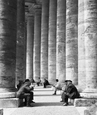 Monica Pidgeon, Colonnade, St Peter's Square (arch. Gian Lorenzo Bernini). Gelatine silver print, 1961/. Copyright Monica Pidgeon / RIBA Collections