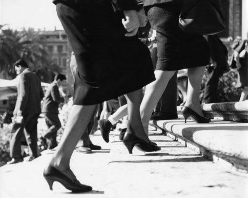 Monica Pidgeon, Spanish Steps, Piazza di Spagna. Gelatine silver print, 1961. Copyright Monica Pidgeon / RIBA Collections