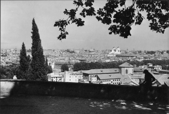 Ralph Deakin, View from the Janiculum. Gelatine silver print, 1930s. Copyright Ralph Deakin / RIBA Collections