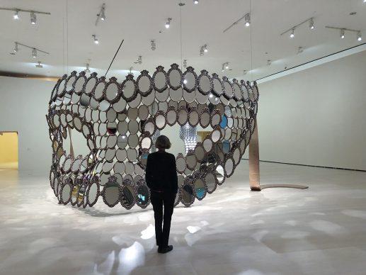Joana Vasconcelos, I'll Be Your Mirror, 2018. Edition of 7 + 1. Collection of the artist © Joana Vasconcelos, VEGAP, Bilbao, 2018.