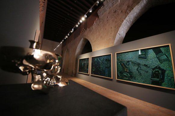 Jan Fabre, alcune delle opere esposte nel Complesso Monumentale della Cattedrale di Santa Mari la Nuova, Ex Dormitorio, Monreale. Foto PETYX PALERMO