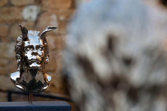 """Jan Fabre, L'artista che non può vedere la sua stessa tragedia. Installazione di due sculture """"Chapter I"""", 2018. Linda & Guy  Pieters collection,  Belgium. Al Museo Archeologico Regionale """"Pietro Griffo"""" di Agrigento"""