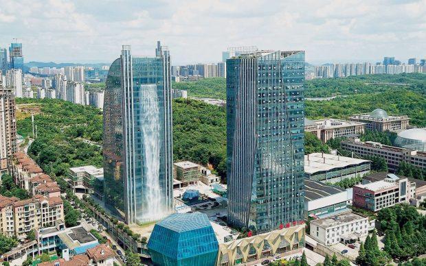 Grattacielo Liebian Cina Cascata artificiale