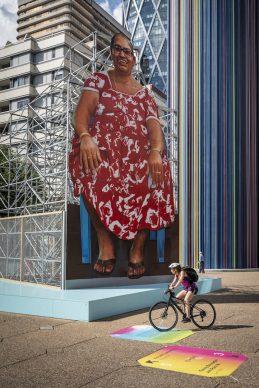 Parigi La Défense, Les Extatiques: Hanif Kureshi, Cutout project, Auntie Maria © Carlos Ayesta