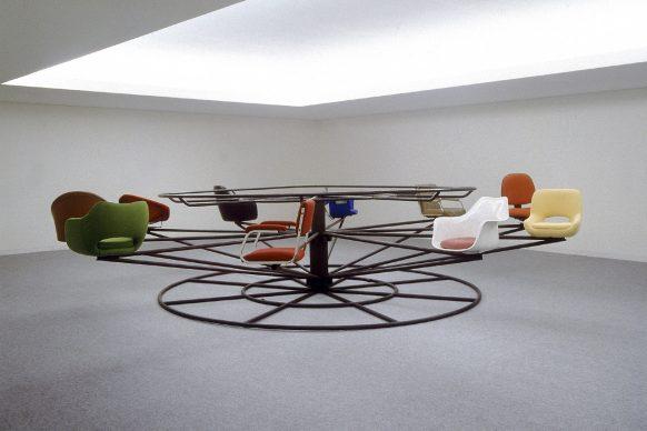 Joana Vasconcelos, Meeting Point (Ponto de Encontro), 2000. Coleção da Caixa Geral de Depósitos, Lisbon. Photo: Rita Burmester © Joana Vasconcelos, VEGAP, Bilbao, 2018.