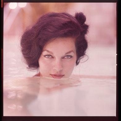 Linda Vargas, color slide, 1958 © Peter Gowland