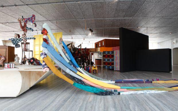 """Immagine della mostra """"John Bock: The Next Quasi-Complex"""" Foto Jacopo Farina 18 luglio – 24 settembre 2018 Fondazione Prada Milano Courtesy Fondazione Prada"""