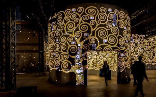 Atelier des Lumières Parigi mostra Gustav Klimt © Culturespaces / E. Spiller