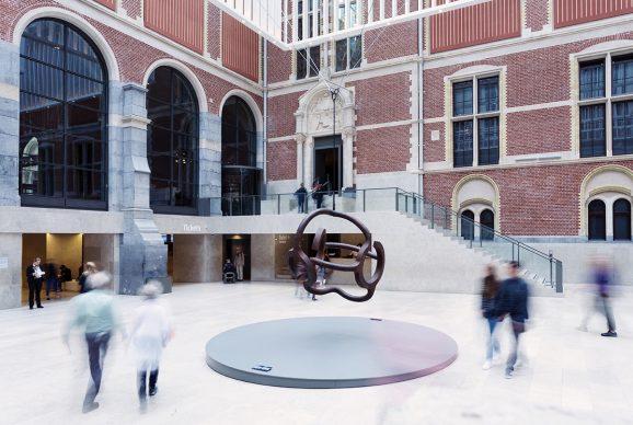 Eduardo Chillida, Homenaje a Calder, 1979. Placido Arango Collection. Photo Kelly Schenk