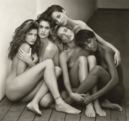 Herb Ritts, Stephanie, Cindy, Christy, Tatjana, Naomi, Hollywood, 1989. Copyright: © Herb Ritts Foundation. Object Credit: The J. Paul Getty Museum, Los Angeles. Gift of Herb Ritts Foundation