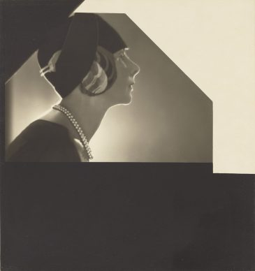 Baron Adolf de Meyer, [Baroness De Meyer in a Hat by Reboux], 1929. Copyright: Status undetermined. Object Credit: The J. Paul Getty Museum, Los Angeles