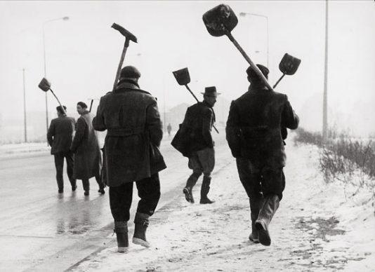 Sante Vittorio Malli, Quando la neve è pane, Milano, 1956 © Eredi Sante Vittorio Malli