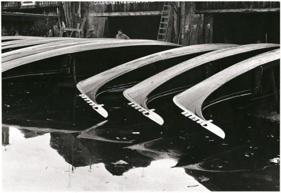 Fulvio Roiter, Squero di San Trovaso, 1970 © Fondazione Fulvio Roiter