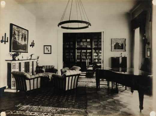Otto Bauer, Photograph of the music room in Josef Morgenstern's apartment with the painting Four Trees. © Bildarchiv des Belvedere, Vienna