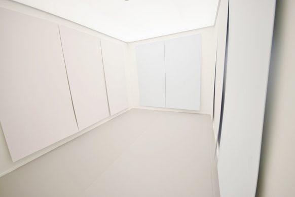 Ettore Spalletti, Carta velata, 2017. Impasto di colore su tavol. Courtesy: Collezione dell'artista
