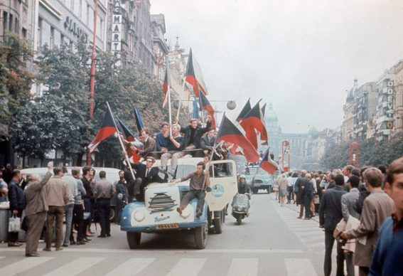 Praga, ingresso dei sovietici in città, 21 agosto, 1968. Heritage/AGF