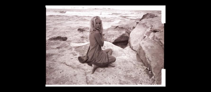 """Virna Lisi sul set di """"Meglio vedova"""", Duccio Tessari, 1968. Angelo Frontoni / Cineteca Nazionale - Museo Nazionale del Cinema"""