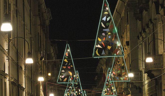 Torino, Luci d'artista 2013-14. Nella foto: Vele di Natale, Vasco Are, via Maria Vittoria. ©-www.comune.torino.it