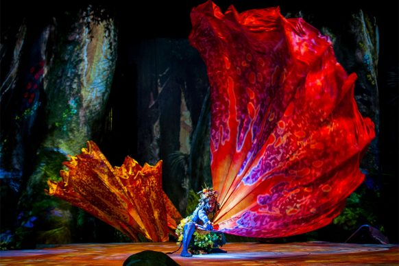 Cirque du Soleil, Toruk - Il primo volo. Picture credit: Errisson Lawrence © 2015 Cirque du Soleil.  Costume credit: Kym Barrett.