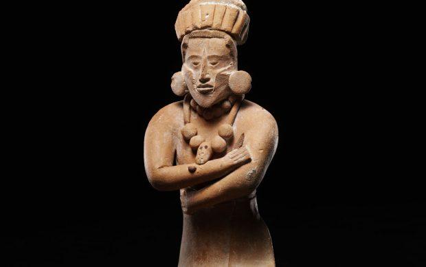 Giovane dignitario seduto; Cultura maya, Periodo Classico, 300-900 d.C.
