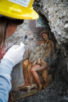 Nuove scoperte a Pompei: affresco di Leda e il cigno