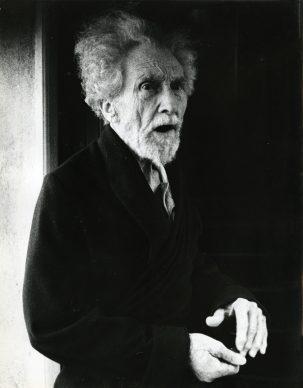 Lisetta Carmi, Ezra Pound, Sant'Ambrogio di Zoagli, 1966,©Lisetta Carmi, courtesy Martini & Ronchetti