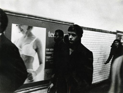 Lisetta Carmi, La Metropolitana,Parigi,1965 @Lisetta Carmi, courtesy Martini & Ronchetti