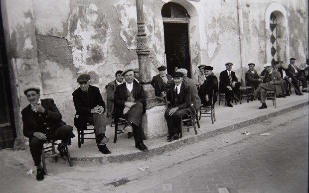 Lisetta Carmi, Sicilia, 1976, ©Lisetta Carmi, courtesy Martini & Ronchetti