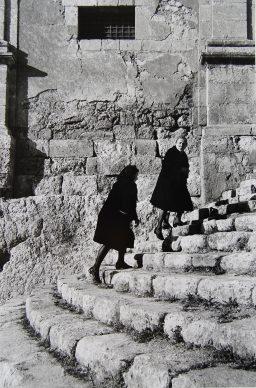 Lisetta Carmi, Sicilia,1976 ©Lisetta Carmi, courtesy Martini & Ronchetti