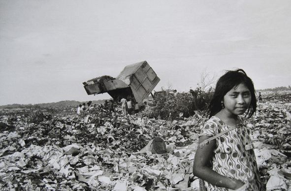Lisetta Carmi, Venezuela, El Basurero, Maracaibo, ,1969 @Lisetta Carmi, courtesy Martini & Ronchetti .JPG