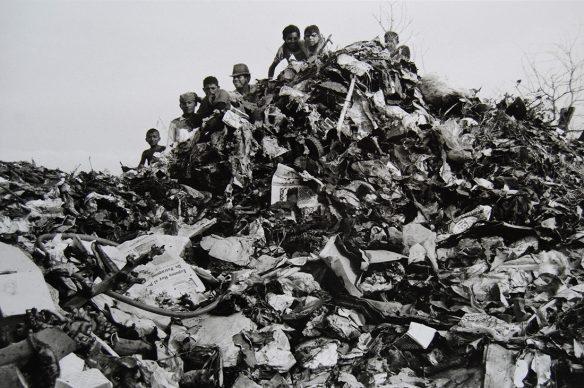 Lisetta Carmi, Venezuela, El Basurero, Maracaibo,,1969 @Lisetta Carmi, courtesy Martini & Ronchetti