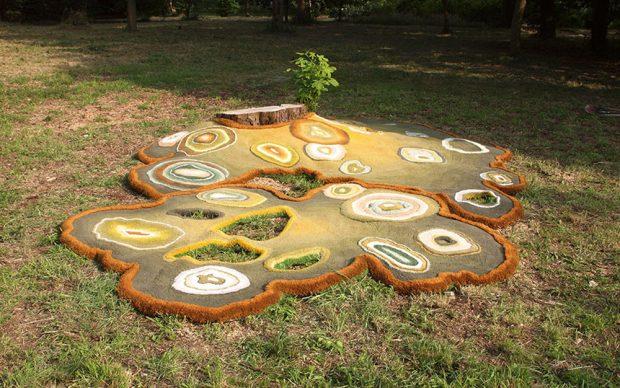 Lizan Freijsen, Fungi Carpet, veduta presso l'Arboretum Belmonte di Wageningen, Paesi Bassi