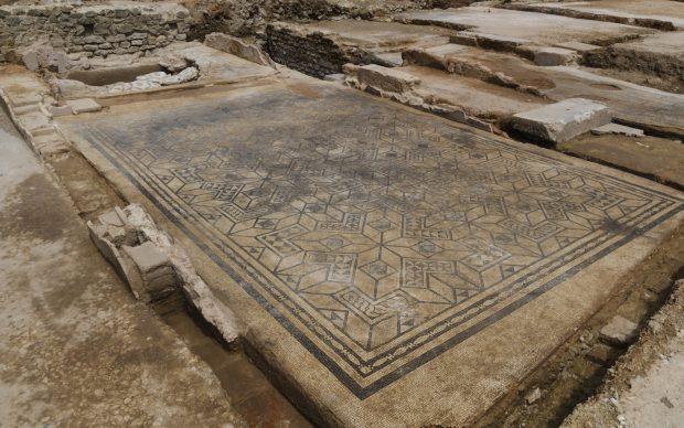 Mosaico pavimentazione villa Vienne Pompei francese archeologia antichi romani