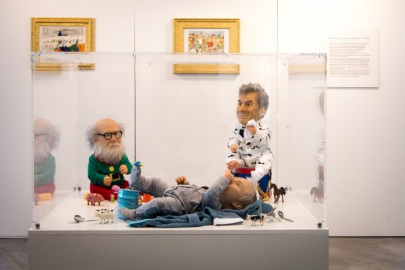 Valter Adam Casotto, Baby Artists (Paul, Maurizio, Damien) - Mostra Beyond Reality, 13-28 dicembre 2018, Opera Gallery, Londra