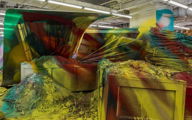 Installation view della mostra Katharina Grosse: Mumbling mud, chi K11 art museum, shanghai, 2018. photo by JJYPHOTO. courtesy of K11 art foundation
