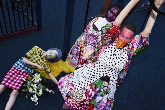Mary Katrantzou, collection summer 2018. Petrovsky & Ramone (photo), Maarten Spruyt (art direction) for Gemeentemuseum Den Haag. Courtesy Mary Katrantzou