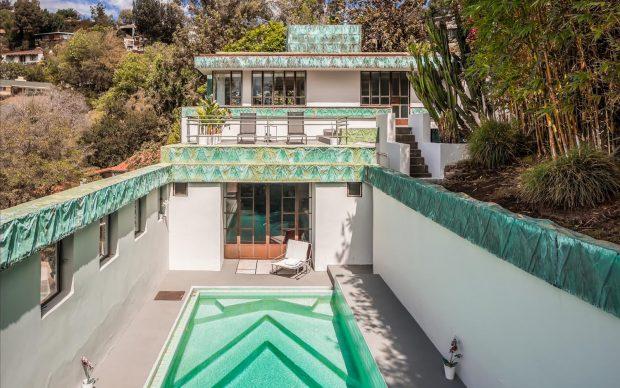 Villa progettata da Lloyd Wright e ristrutturata da Diane Keaton. Photo by Douglas Elliman