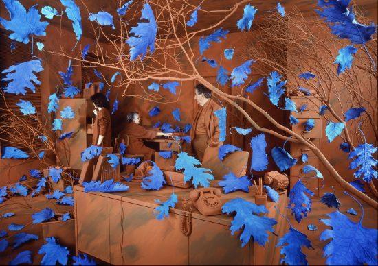 Sandy Skoglund, A Breeze at Work, 1987. Courtesy Paci contemporary gallery (Brescia – Porto Cervo, IT)