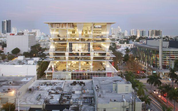 Herzog & de Meuron (Basel, est. 1978). 1111 Lincoln Road, Miami Beach, Florida, USA. 2005–2008. Exterior view. Photo © Huffton+Crow and MBEACH1, LLLP.