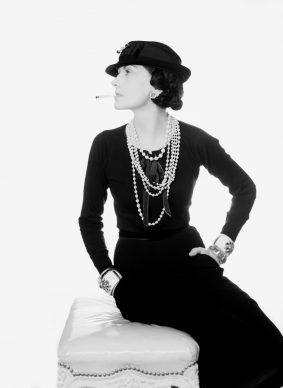 Coco Chanel, 1935. Photo: Man Ray. Man Ray Trust / ADAGP / Pictoright Amsterdam 2018/ Gemeentemuseum Den Haag