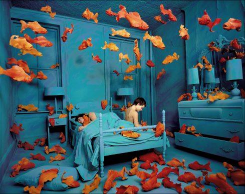 Sandy Skoglund, Revenge of the goldfish, 1981. Courtesy: Paci contemporary gallery (Brescia – Porto Cervo, IT)