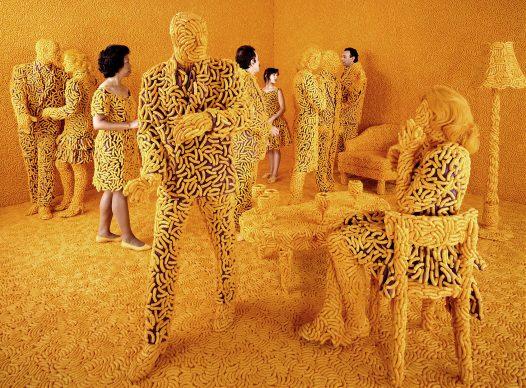Sandy Skoglund, The Cocktail Party, 1992. Courtesy Paci contemporary gallery (Brescia – Porto Cervo, IT)