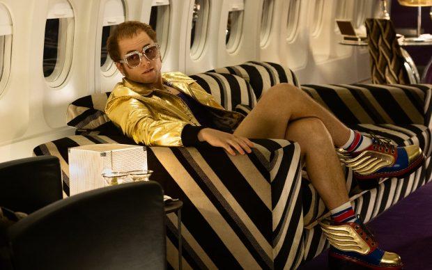 Taron Egerton interpreta Elton John in Rocketman