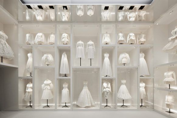 V&A, Christian Dior Designer of Dreams exhibition - Atelier section (c) ADRIEN DIRAND