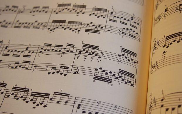 spartito musicale composizione maestro direttore orchestra