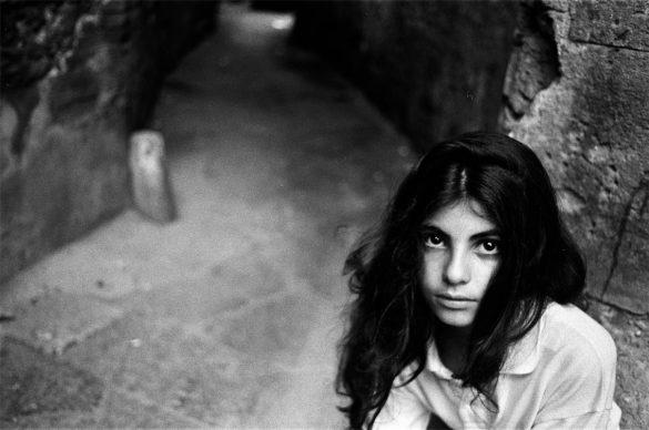 Letizia Battaglia, Vicino la Chiesa di Casa Professa, 1991, Palermo © Letizia Battaglia